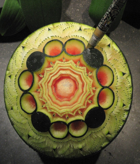 Comment sculpter les fruits et l gumes students cook eat - Sculpture sur fruits et legumes ...